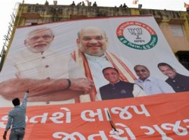 The governing BJP under Prime Minister Modi's leadership won elections in his home state Gujarat but opposition is growing. (Photo: SAM PANTHAKY/AFP/Getty Images)