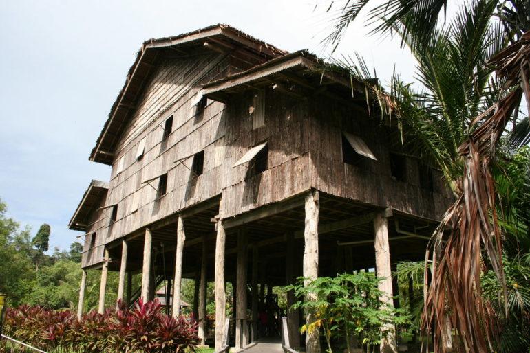 Melanau longhouse (Credit: Colin Charles Flickr)
